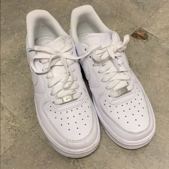 detailed look b7d99 1579b Women's Nike Air Force 1 Sneaker - Size 7